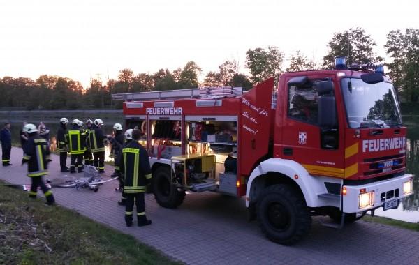 Übungsabend: FwDV 3 & Fahrzeugkunde 06.05.2016