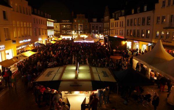 Lichterfest unter Beteiligung der Altstadt-Wehr