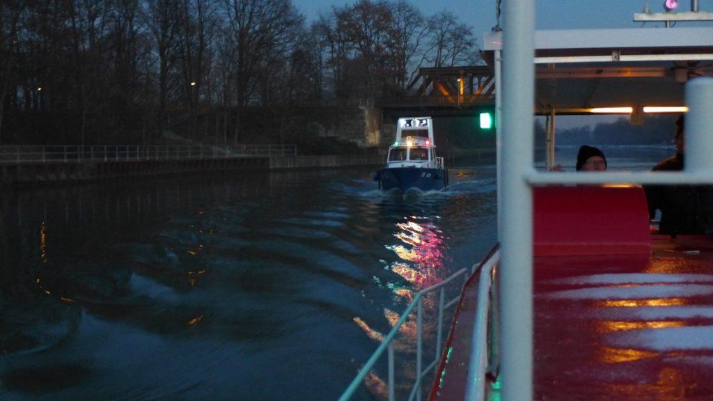 Das Einsatzboot an Steuerbord
