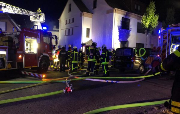 Carport-Brand in der Feldhausener Straße